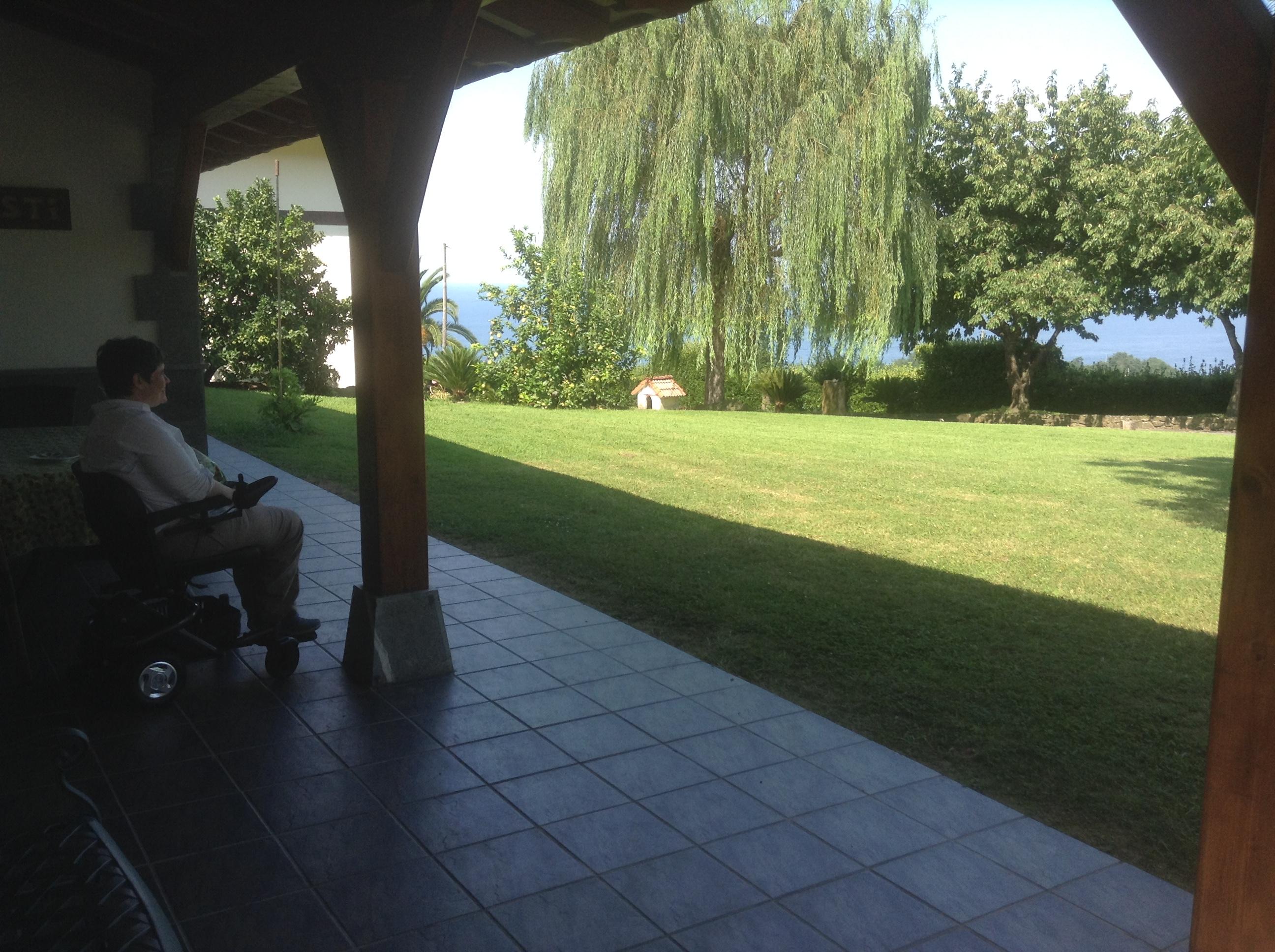 The terrace, Mahastí, Epotx Etxea, Getaria, Pais Vasco
